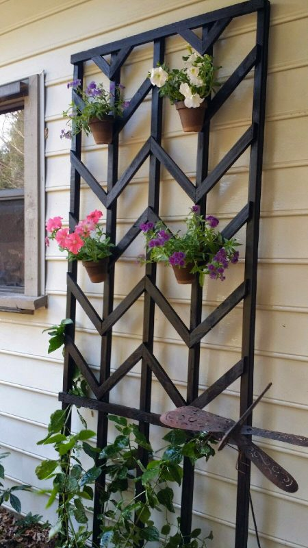 DIY Chevron Lattice Trellis From REMODELaholic