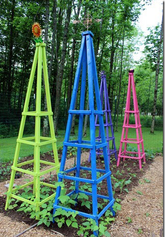DIY Obelisk Trellis For $10 From MommaDandDaBoyz