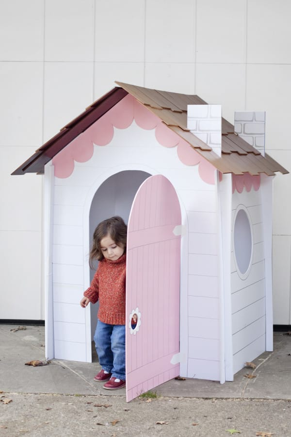 DIY Collapsable Playhouse by LittleThings