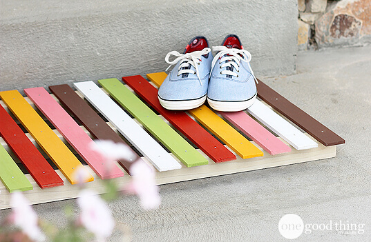 DIY Colorful Wooden Doormat