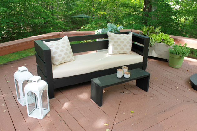 DIY Easy Modern Outdoor Sofa