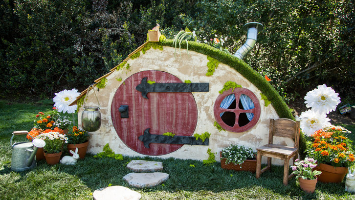 DIY Hobbit Hole Playhouse by HallmarkChannel