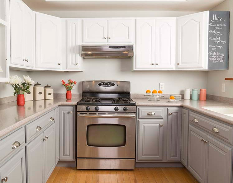 DIY Inexpensive Kitchen Cabinet Makeover