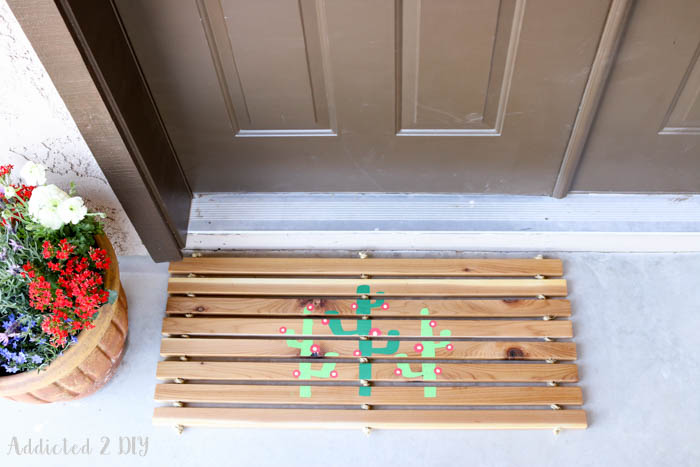 DIY Summery Cedar Door Mat