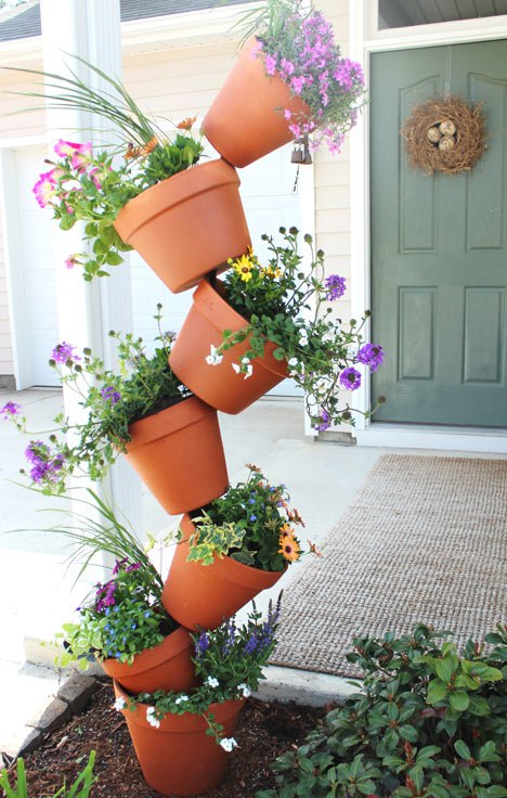 DIY Topsy Turvy Flower Planter