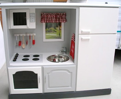 DIY Upcycled Play Kitchen