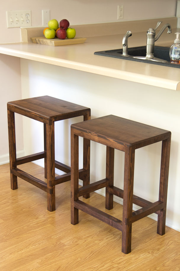 DIY 2x4 Bar Stools