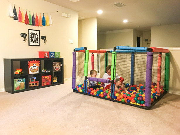 DIY Ball Pit by BoyMamaRusell