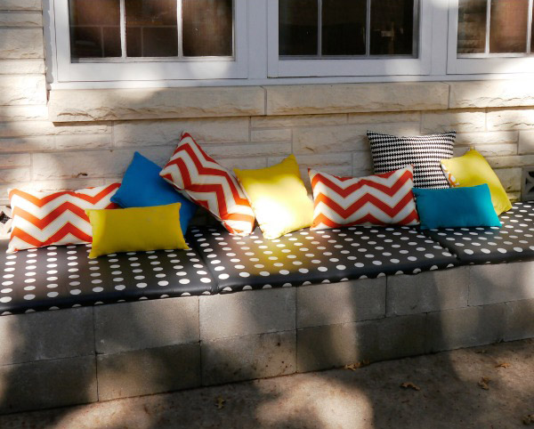 DIY Cinder Block Bench by C.R.A.F.T