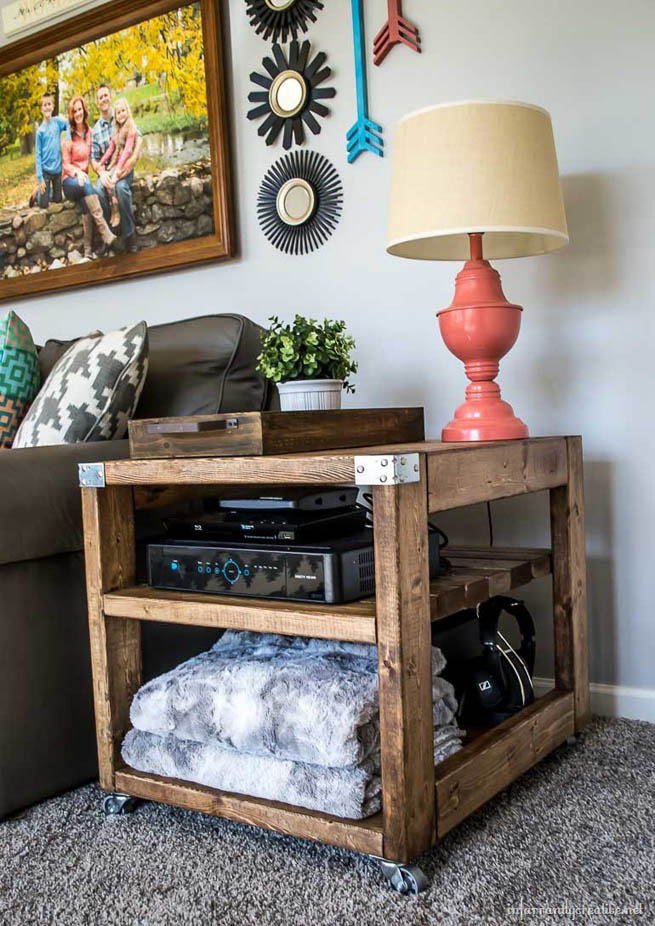 DIY Farmhouse Industrial End Table