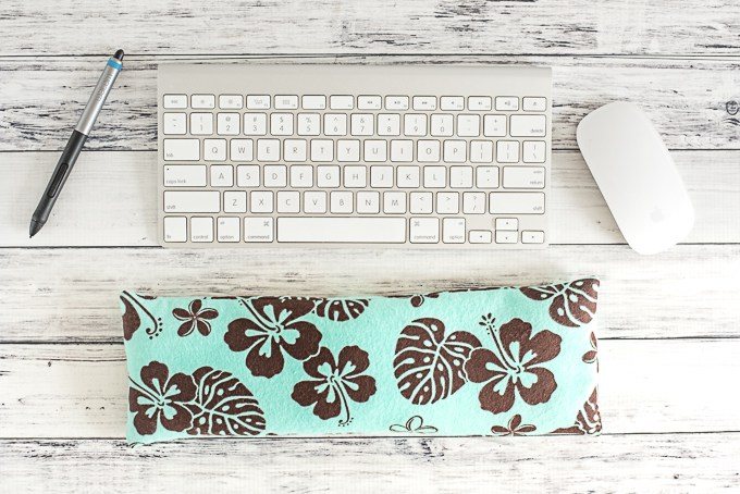 DIY Keyboard Wrist Rest by Natashalh