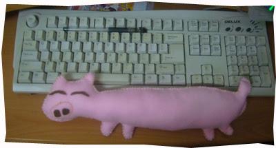 DIY Pig Wrist Rest