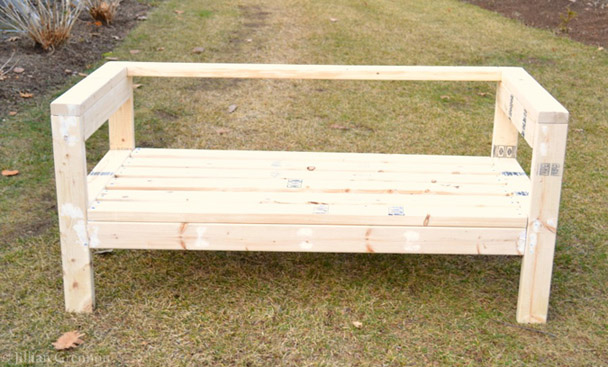 DIY Simple 2x4 Bench