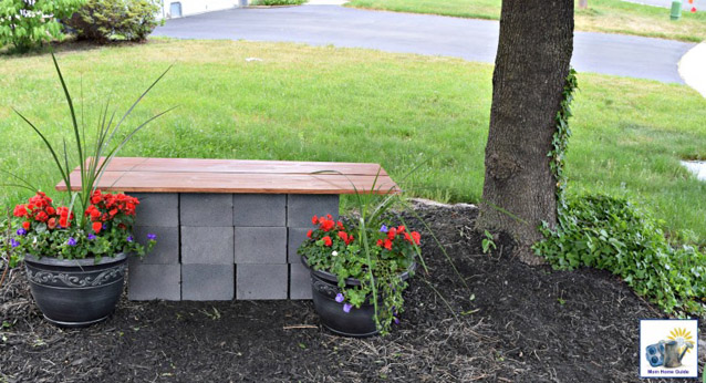 DIY Wood & Cinder Block Bench by MomHomeGuide