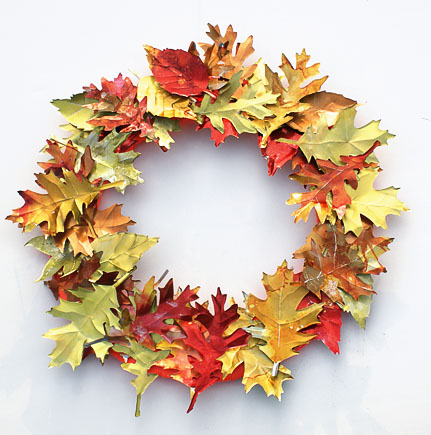DIY Aluminium Can Leaf Wreath