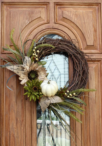 DIY Fall Wreath by ConfessionsOfASerialDIYer