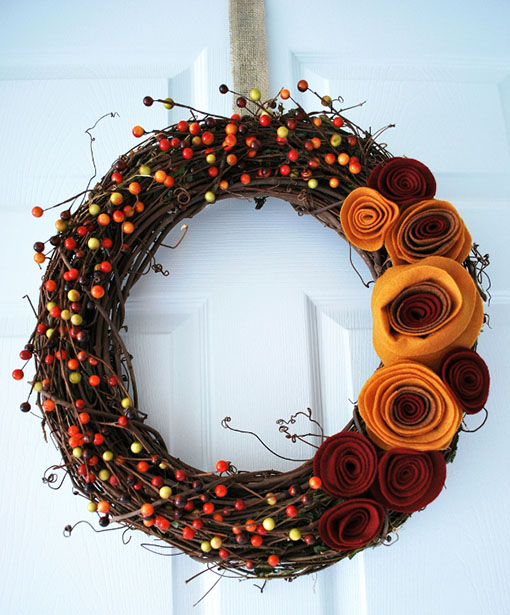 DIY Fall Wreath by CraftingMom